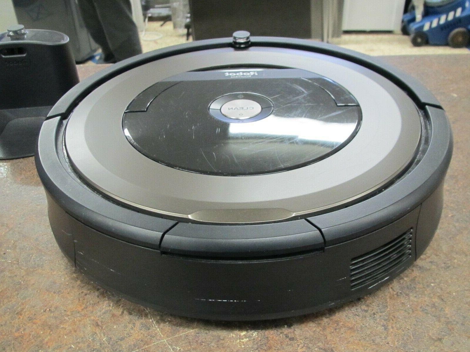 iRobot 890 Vacuum Cleaner w Dock
